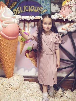שמלת פליסה מעטפת- וורוד