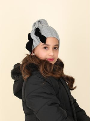 כובע אוליביה פפיון מושחל | אפור עם פפיון שחור