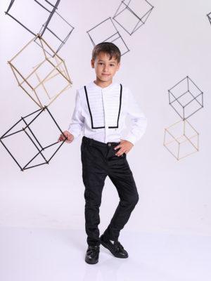 חולצת ארי בנים לבנה עם קפלים ן לבן